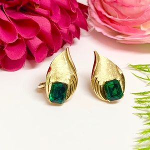 ⚜️Vintage TRIFARI Art Deco Emerald Clip Earrings